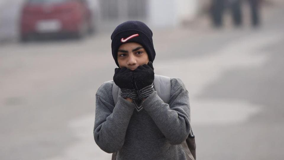 Morning temperature dropped from Monday's 9.8 degrees to 9.6 degrees on Tuesday. This may rise up to 25 degrees Celsius during the day. The city also saw winds from the west blowing at the speed of 5 kmph.