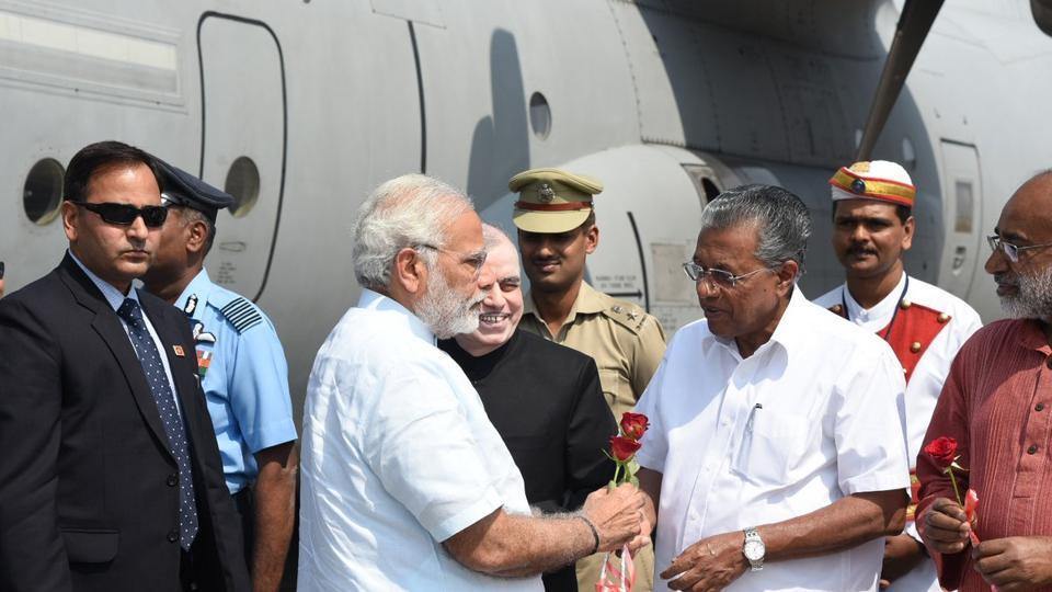 Narendra Modi,Cyclone Ockhi,Pinarayi Vijayan