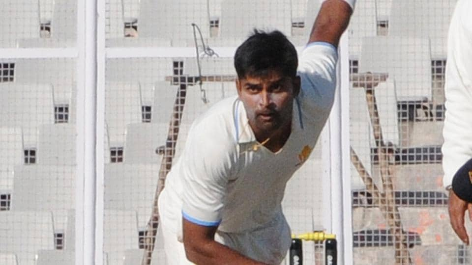 RVinay Kumar's Karnataka side are on course for a Ranji Trophy showdown against Delhi in the final but Vidarbha put up a good fight thanks to Ganesh Sathish's unbeaten 71.