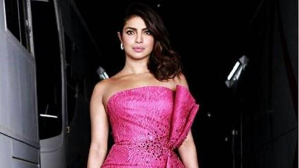 Zee Cine Awards Priyanka Chopra Ranveer Singh Set The