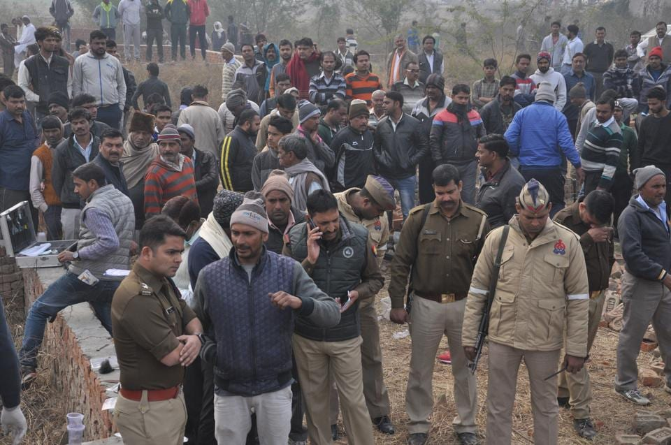The body, found on Wednesday morning was identified to be of Satendra Kumar alias Kalu, a resident of Karhera.