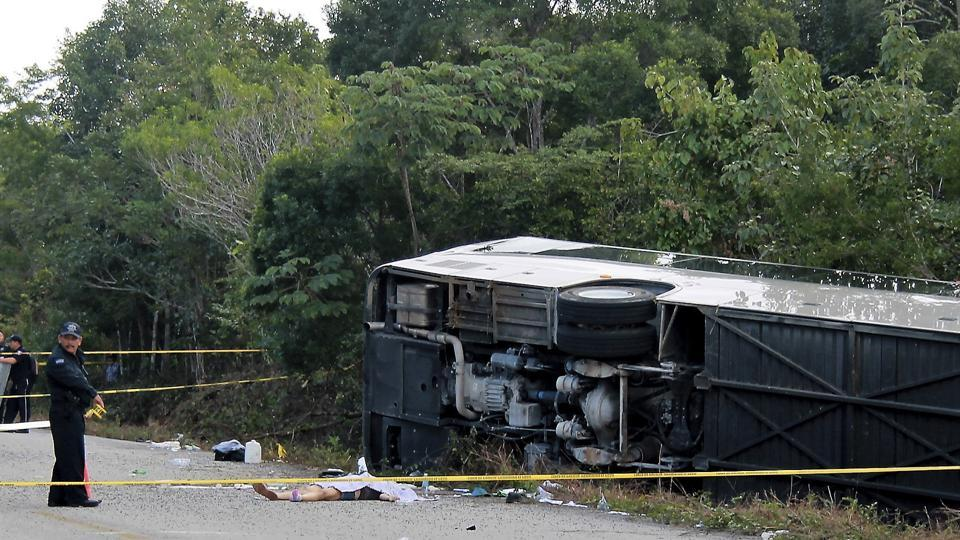 Mexico bus accident,Mayan,foreign tourists
