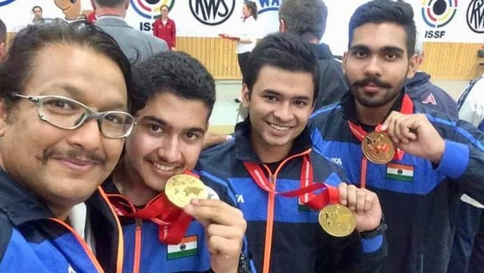 Teenage pistol shooter from Haryana Anish Bhanwala (2R) continued his impressive run at the National Championships currently underway in Thiruvananthapuram, winning gold in 25m rapid-fire pistol.