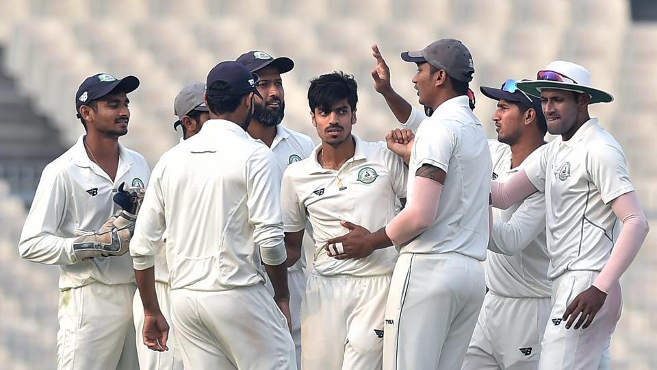 Rajneesh Gurbani ended with figures of 7/68 in Karnataka's second innings as Vidarbha reached their first ever Ranji Trophy final.
