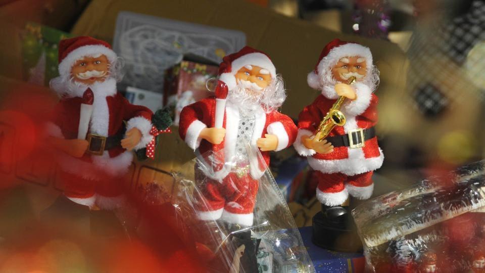 Christmas gifts seen at a market in Chandigarh. (Karun Sharma / HTPhoto)
