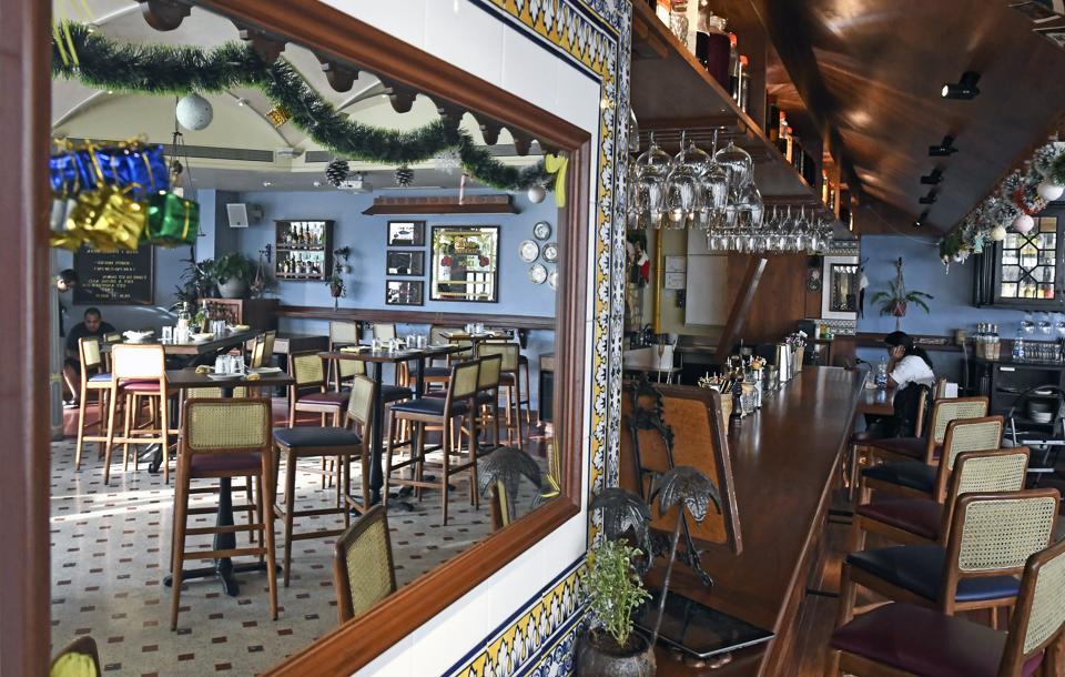 O Pedro is a lovely space, even if the food doesn't always check out. Vaulted ceilings, an imposing wooden bar, dark wood tables and cane-backed chairs give it an old-world club feel. Sunlight floods the room during the day.