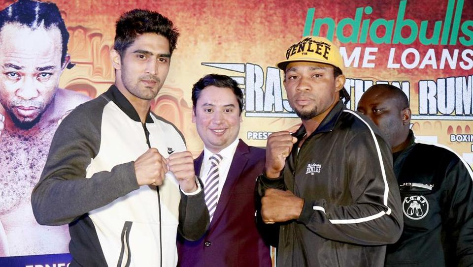 India's Vijender Singh beat Ghana's Ernest Amuzu in the WBOOriental & Asia Pacific super middleweight pro boxing title fight in Jaipur tonight. Get highlights of Vijender Singh vs Ernest Amuzu here.