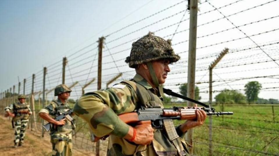 BSF,Pakistani 'intruder',Ajnala