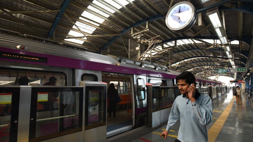 The platforms at all the nine stations will have screen doors for the safety of passengers. DMRC had installed such doors only on the Airport Express Line thus far. (Virendra Singh Gosain / HT PHOTO)