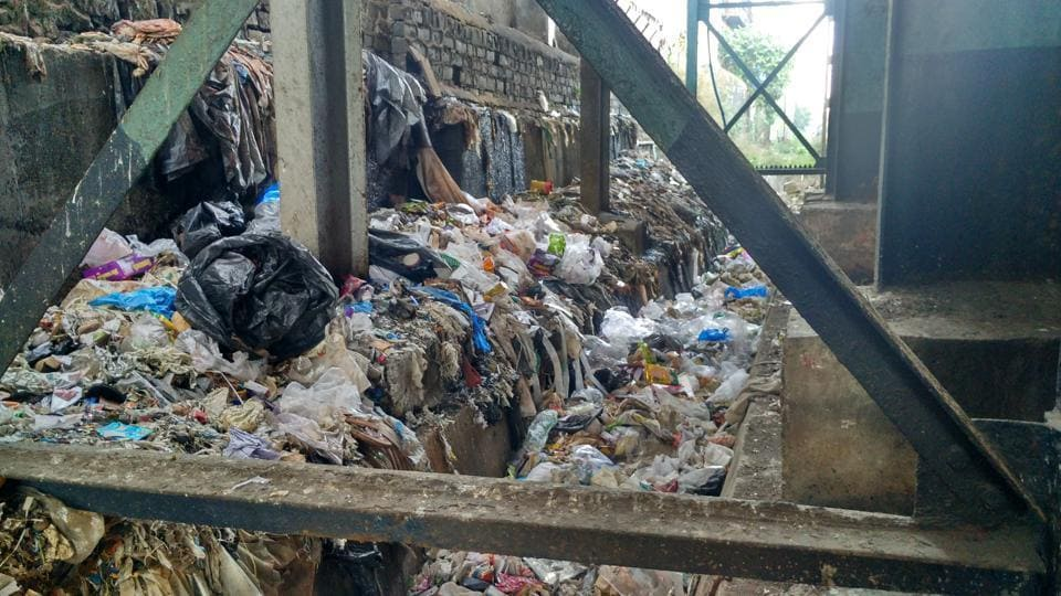 The problem of garbage along Mumbai railway lines needs a permanent solution.