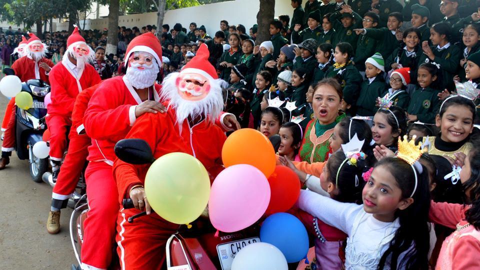 Christmas Eve,Jingle bells,Ismat Chughtai