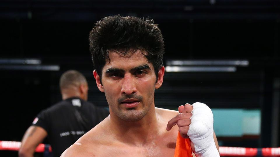 Vijender Singh defeated Ernest Amuzu to retain his WBO Oriental and Asia Pacific Super middleweight titles on Saturday.