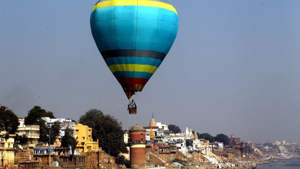 A hot air balloon over Assi Ghat in Varanasi.