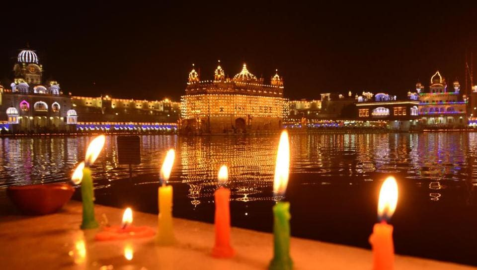 A view of the illuminated Golden Temple on the occasion of birth anniversary of Guru Gobind Singh in Amritsar on Monday. (Sameer SehgaL/HT)