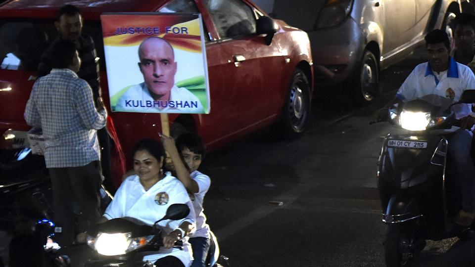 Mumbai residents take out a Bike bally in Paryer to support the safe release of Kulbushan Jadhav, on December 24, 2017.