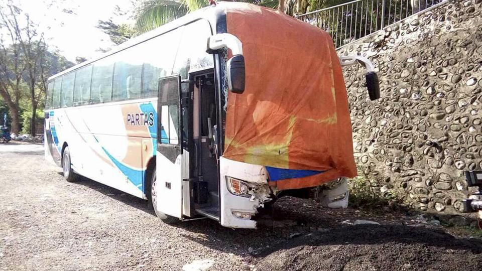Philippines,Philippines bus crash,Christmas Day mass