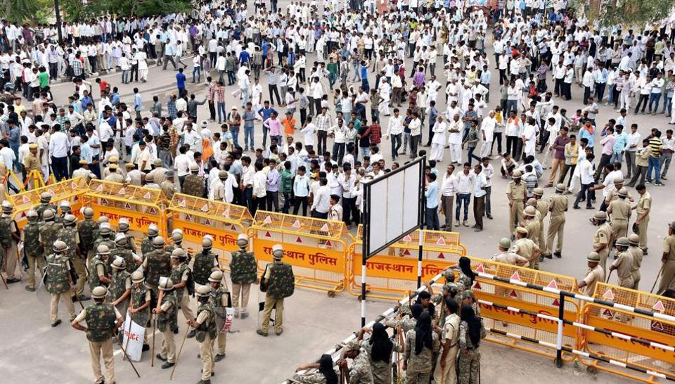 File Photo of farmers protesting during their Mahapadav (sit-in) demanding implementation of Swaminathan Commission Report in Bikaner.