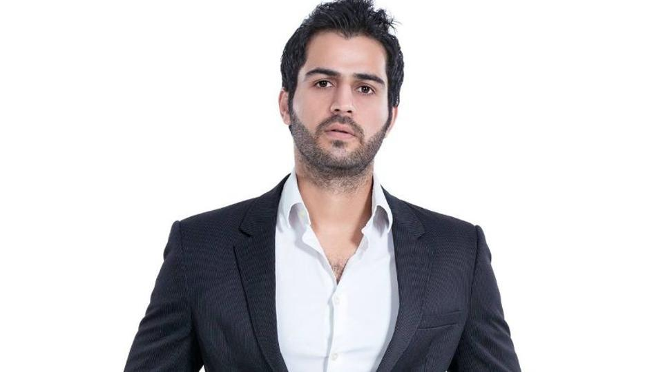 Sajjad Delafrooz was born in Iran. He is 34.