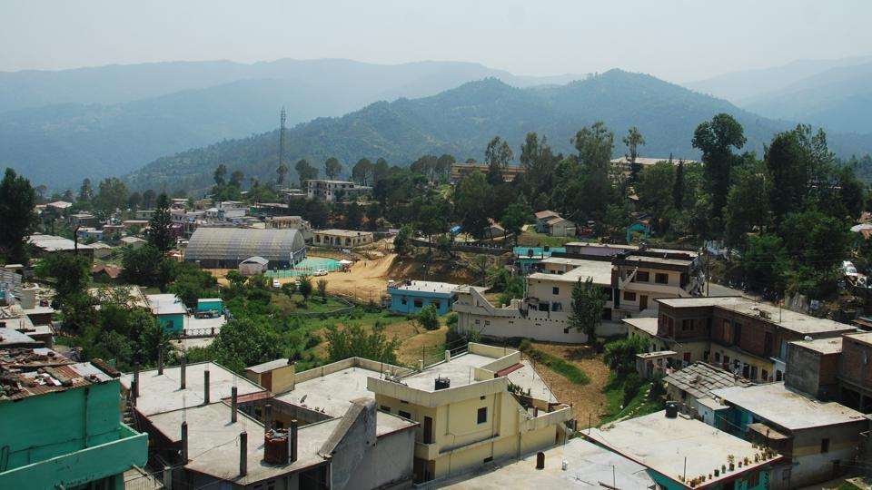 The people from the hills are demanding Gairsain - a small hill town in Chamoli district – be made the permanent capital of Uttarakhand for its equal accessibility from Garhwal and Kumaon regions.