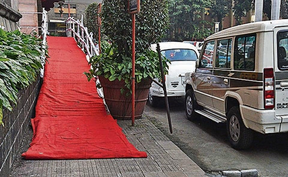 A temporary disabled-friendly ramp has been set up at the main office of Pune Municipal Corporation.