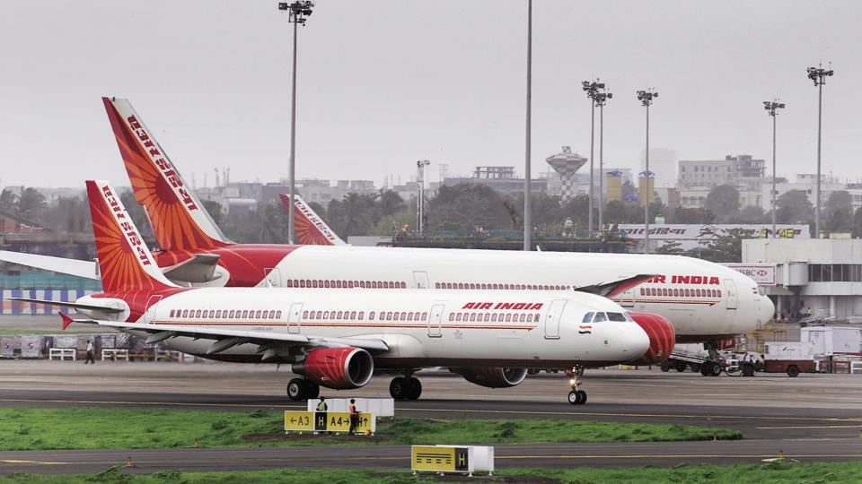 A ministerial committee headed by finance minister Arun Jaitley is looking into the disinvestment of Air India. (Mint Photo)