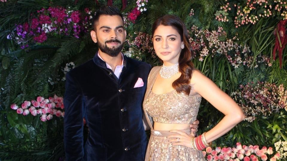 13a9ede7186 Anushka Sharma-Virat Kohli reception  11 guests wore this designer ...