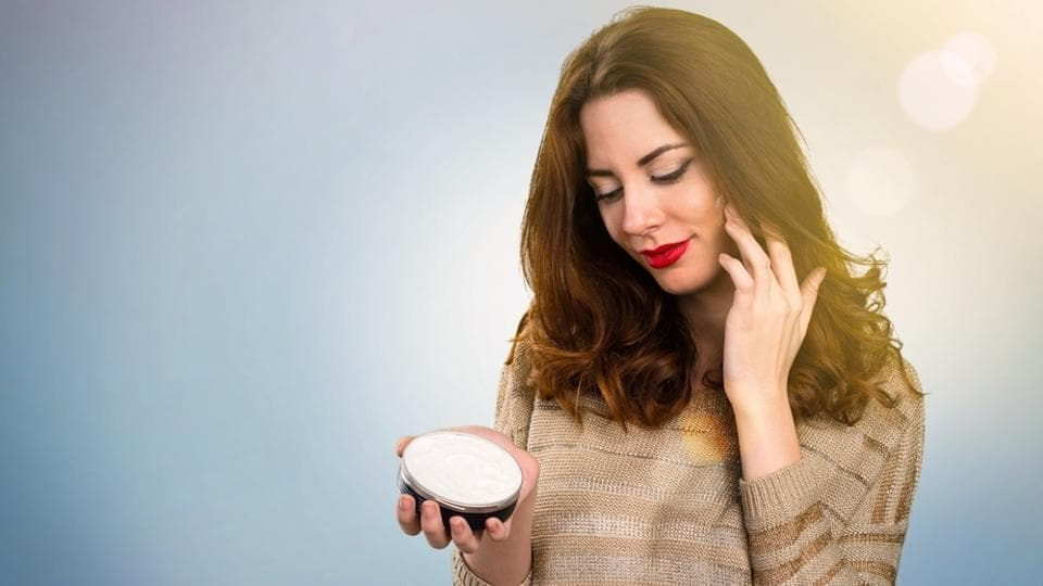 Virgin coconut oil keeps the skin moisturised and prevents dry, scaly skin.