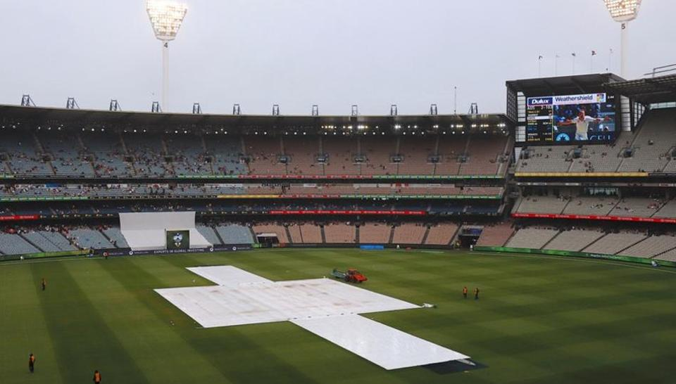 The fourth day of the fourth Ashes cricket test match between Australia and England was affected by rain.