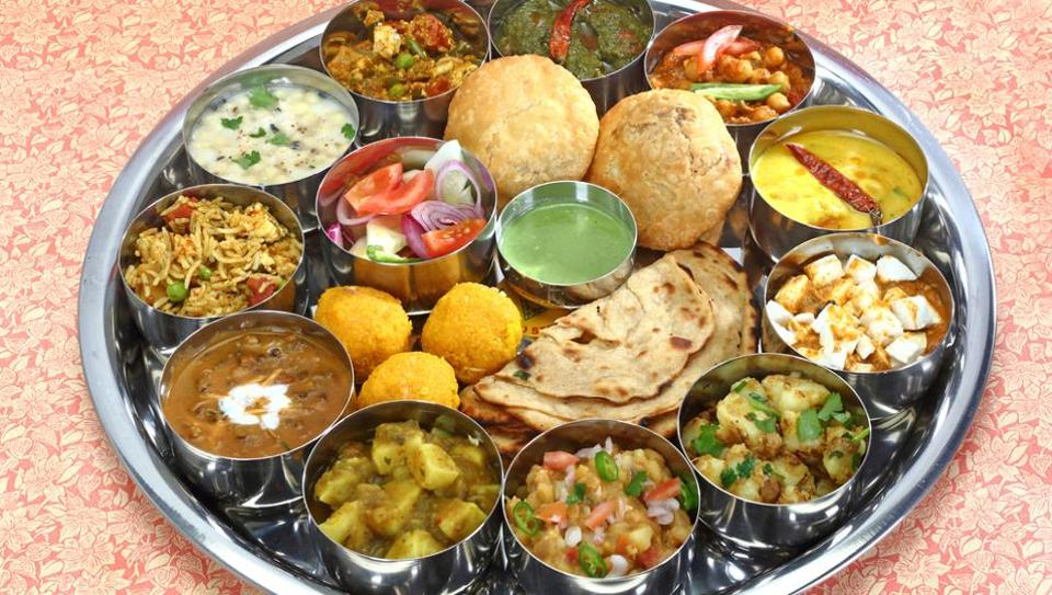 Several leading restaurants and hotels treated Delhiites to a decadent array of tastes and aromas, whipping up dishes once served to 'rajahs' and 'nawabs'.