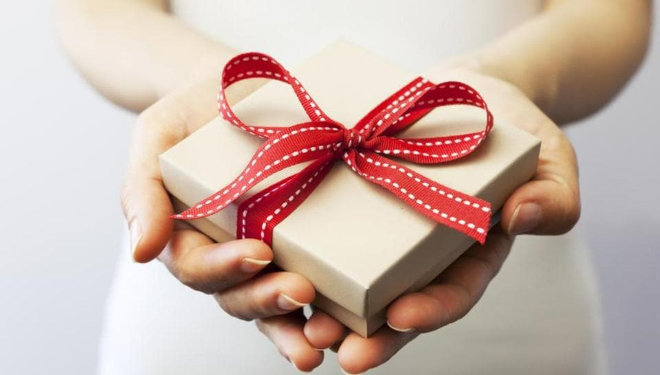 If you're the kind who likes to invest thought and care into your gifts, here are some excellent ideas for presents that'll be useful and appreciated.