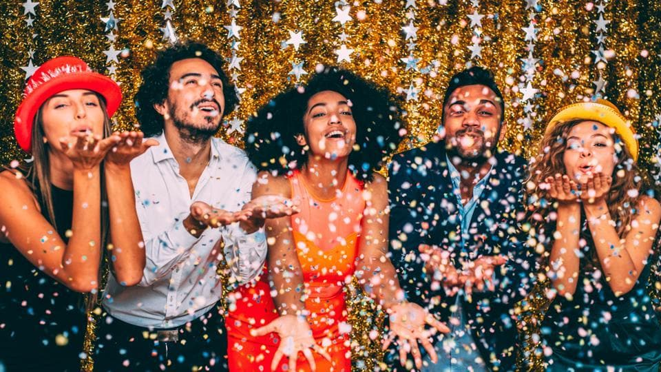 Here are some great ideas to throw a super fun house party.