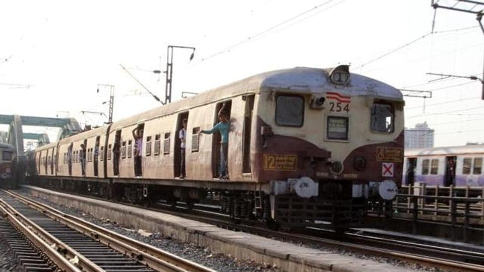 The extension of the harbour line on the Western Railway is a part of the Mumbai Urban Transport Project (MUTP III).