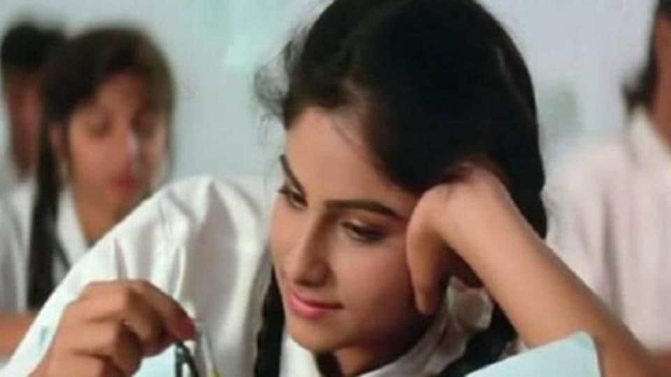 Ayesha Jhulka was among the most popular Bollywood faces in the '90s.