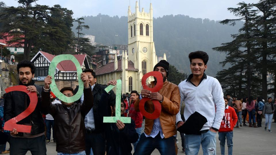 People enjoying the last day of 2017 on The Ridge in Shimla. (Deepak Sansta/HT)