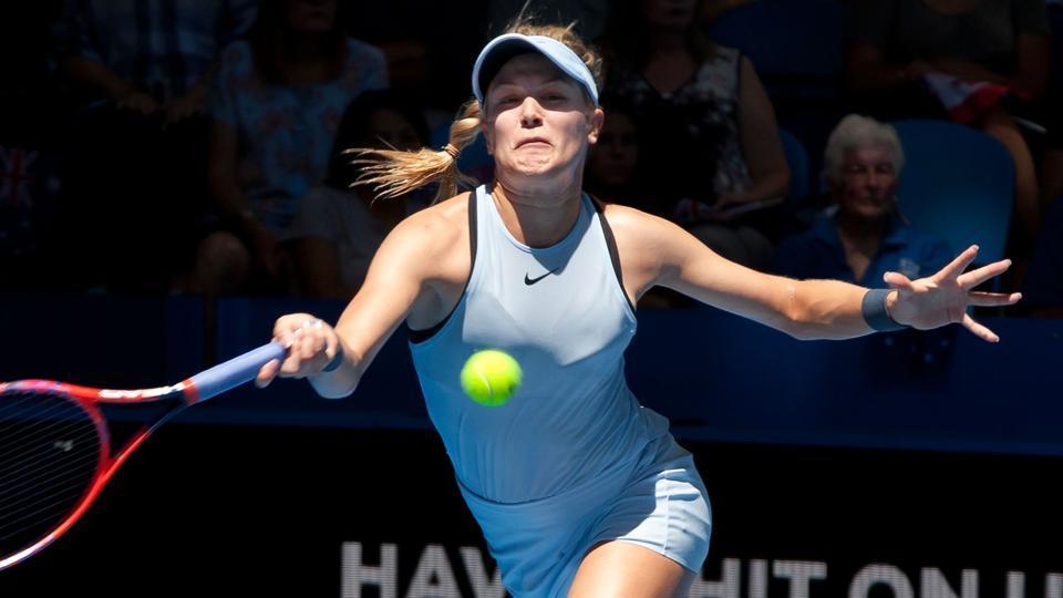 Eugenie Bouchard lost 1-6,4-6 to Daria Gavrilova as Canada lost to Australia in the Hopman Cup.
