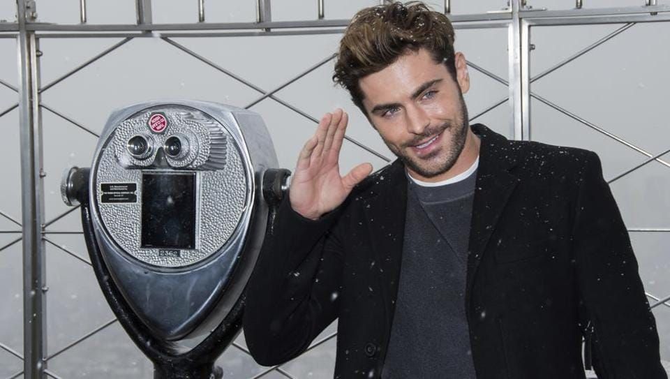 Zac Efron visits the Empire State Building's 86th floor observatory to promote The Greatest Showman film on Saturday, Dec. 9, 2017, in New York.