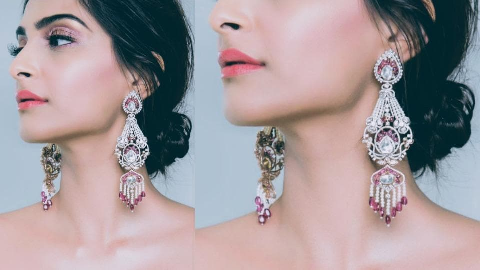 In 2018, statement jewellery will continue to be in trend.