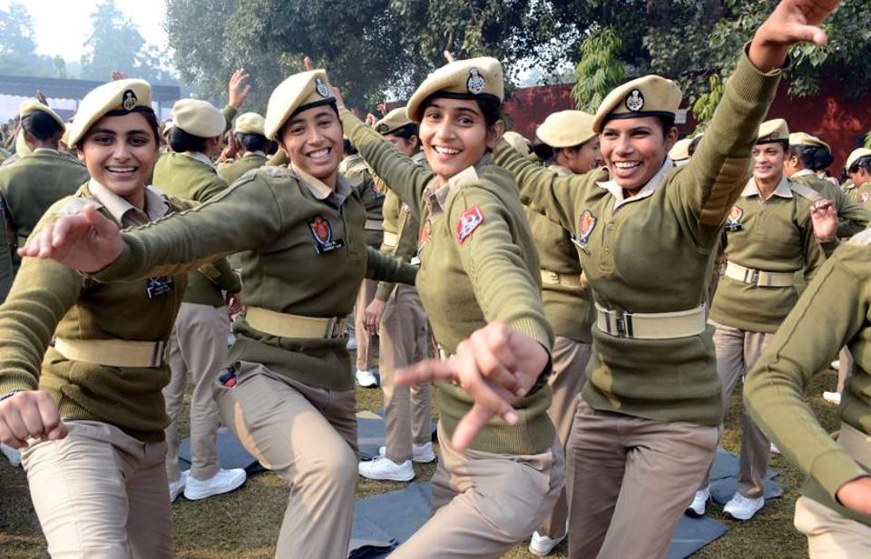 Police personnel dancing during New Year celebrations at the recruitment centre in Jalandhar on Monday.  (Pardeep Pandit/HT)
