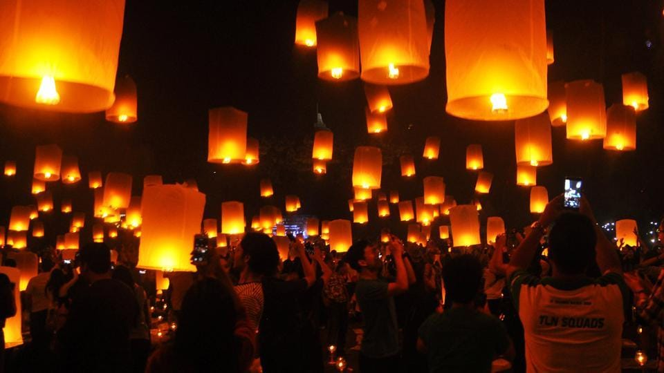 People fly lanterns at Borobudur temple during New Year celebrations in Magelang, Indonesia. (REUTERS)