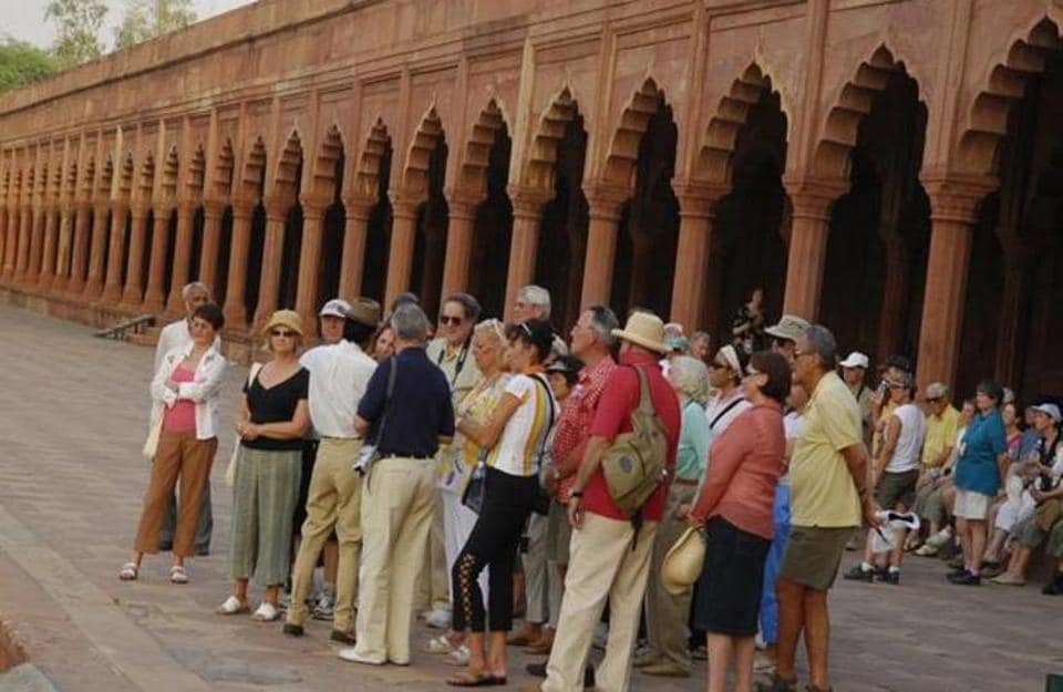 The Sufi circuit was likely to include Fatehpur Sikri, Rampur, Budaun, Bareilly, Lucknow, Dewa, Bahraich and Allahabad.