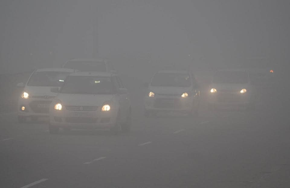 Visibility in Jalandhar dropped to a bare minimum on Tuesday.  (Pardeep Pandit/HT)