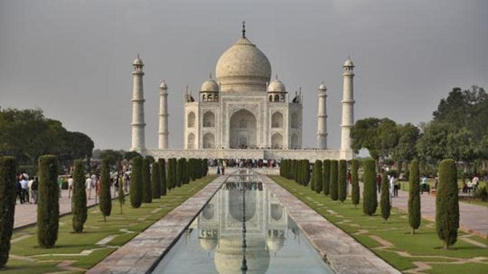 The Taj Mahal is considered one of the finest specimen of the Mughal architecture.
