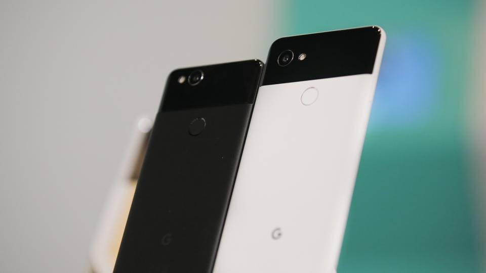 Google Pixel XL gets massive price cut.