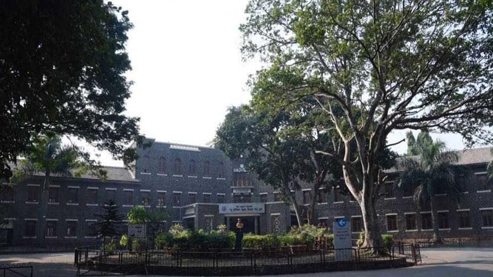 New English School on Tilak road wore a completely deserted look today.