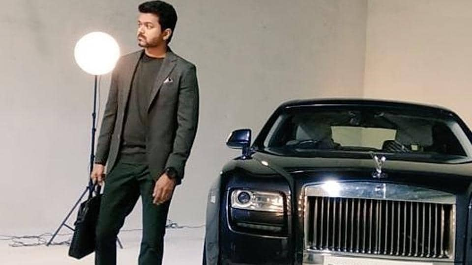 Photographs and videos from the principal photoshoot for the film has surfaced online.