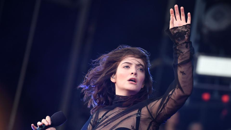 "Kiwi singer Lorde was labelled a ""bigot"" in a full-page newspaper ad after she called off her concert in Israel over its conflict with Palestine."