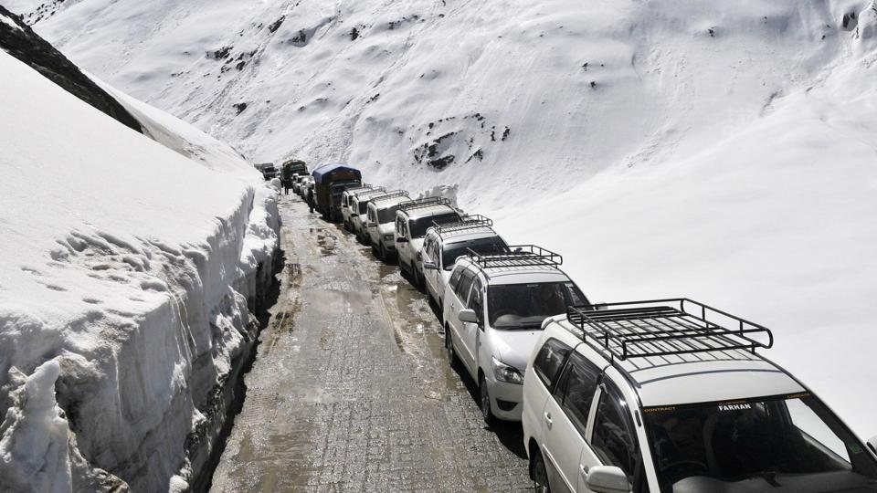 The main objective of the project is to provide all-whether connectivity to strategically important Leh region in Jammu and Kashmir which at the moment is limited to at best six months because of snow on the passes and threat of avalanches.