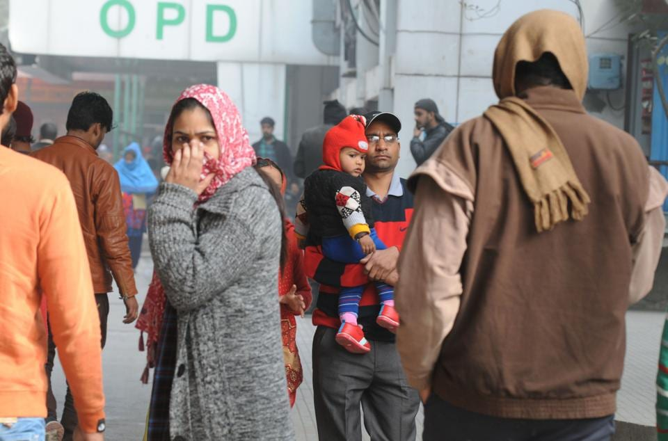 The increasing chill and low wind speed has also affected the quality of air, and brought with it a sudden increase in the number of patients complaining of flu, congestion and respiratory problems, among other conditions.