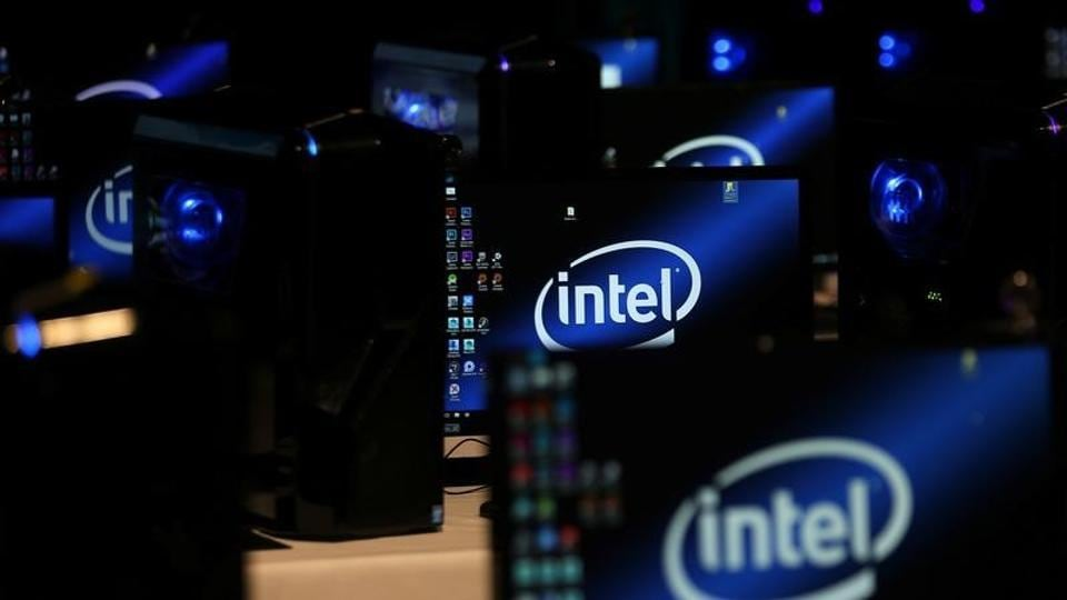 Massive Stock Dump Before Security Flaw Disclosed — Intel CEO