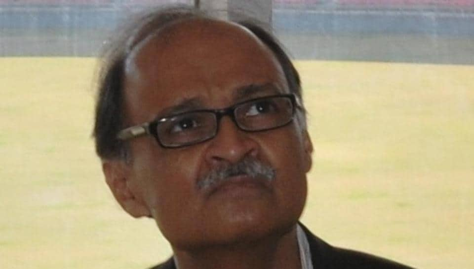 Chief secretary Utpal Kumar Singh told the media that the government's publicity wing would put up a system to ensure that journalists were briefed daily about the day's developments.